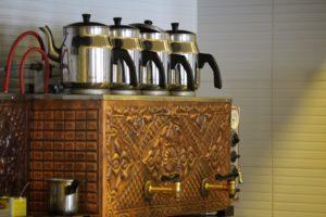 mesin penyeduh teh